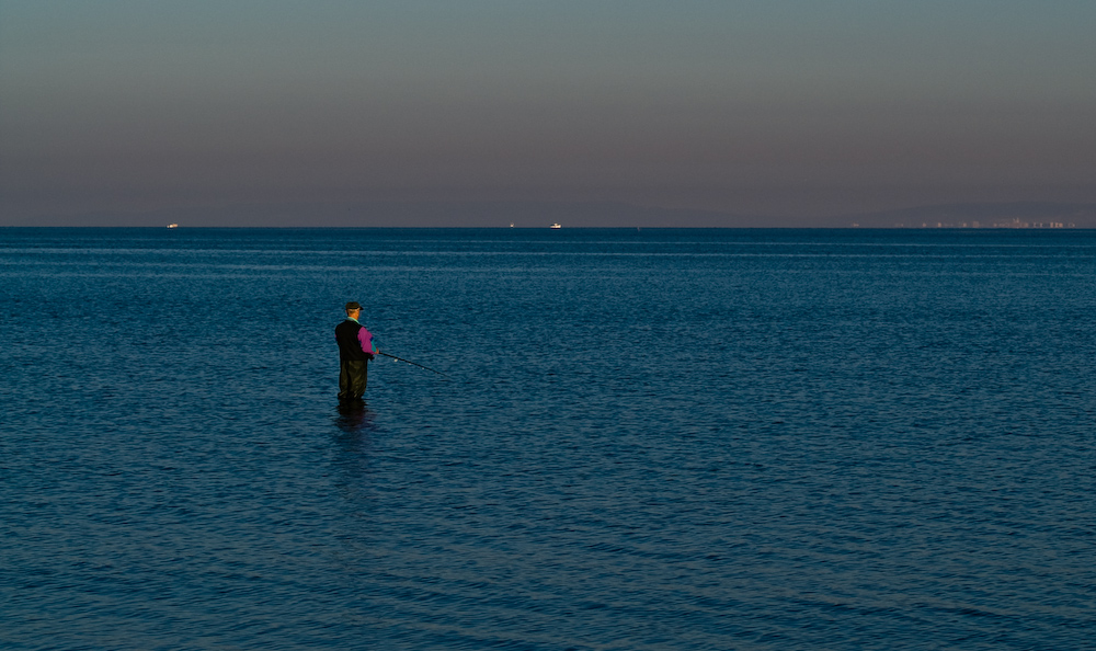 ...auch wer Fisch mag, ist früh am Strand...
